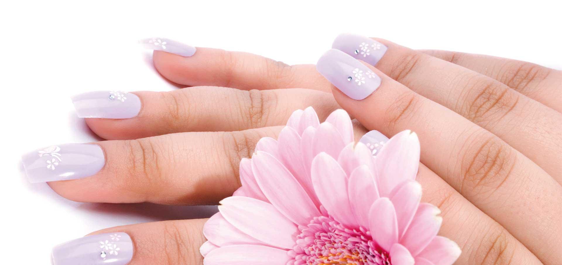 La nuova frontiera della ricostruzione unghie: NailOver